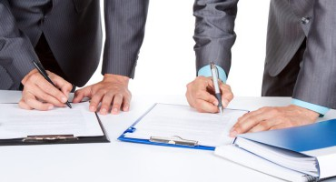 The management of contracts, deals and tenders in Moscow and Russia
